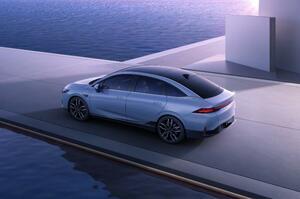 【ミニマルなEVセダン】新型シャオペンP5 一部公開 自動運転技術と室内空間に注力
