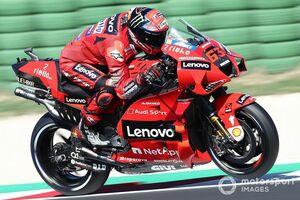 MotoGPミサノテスト初日:連勝中バニャイヤ首位。各メーカーが2022シーズンに向けた新型バイクを試験