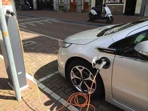 独政府、急速充電インフラ整備の加速など自動車業界を支援