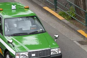 マスクをしてない客の乗車拒否が可能に! 高齢化が進み「感染の恐怖」と闘い続けるタクシードライバーの苦悩