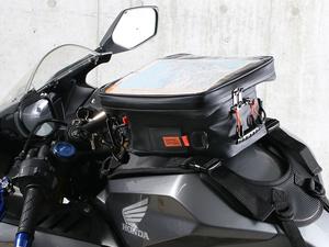 磁石が使えないタンクでも使えるベルト固定式!「タイダウンタンクバッグ DBT605-BK」がドッペルギャンガーから発売!