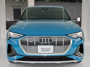 【ニューモデル写真蔵】アウディが日本初導入した電気自動車「e-トロン スポーツバック」