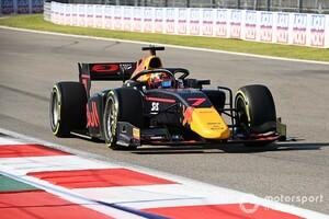 F2ソチ戦レース1|惜しくも2位の角田裕毅……敗因となったペースダウンを解説「タイヤかすを拾ってしまい、グリップが低下した」