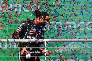 ハミルトン、勝利にあと一歩届かず「速さが足りなかった。解明していない問題がある」とメルセデス/F1第17戦