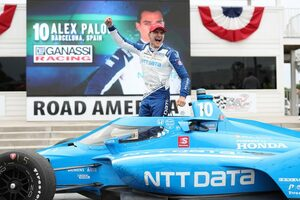 インディカー第9戦ロード・アメリカ:パロウが残り2周の逆転劇で今季2勝目。ペンスキーは再びトラブルに泣く