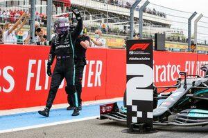 残り2周でレッドブルに敗れたハミルトン「直線スピードの差が大きく、戦略的にも手詰まりだった」F1第7戦決勝