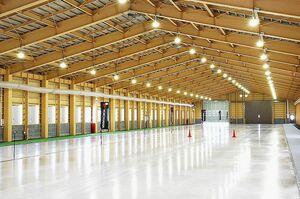 横浜ゴム、屋内氷盤試験場に国内最大級の冷媒装置 冬用タイヤなど開発に威力