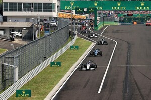 ピットレーンで追い抜き、ペナルティを受けなかったのはなぜ? ラッセル「FIAの常識的な対応に感謝」|F1ハンガリーGP