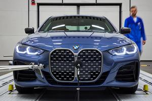 【価格/サイズ/Mモデルは?】BMW 4シリーズ・クーペ新型、日本発売 420iとM440i xドライブを解説 ハンズ・オフ機能も
