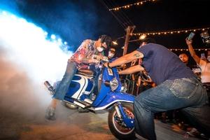 一晩で2000台超の鉄スクーターが集結! タイ・バンコクは世界有数のヴィンテージ天国だった!
