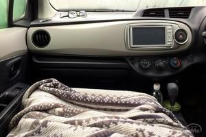車用ホットブランケットのおすすめメーカー10選 充電式やUSBタイプを紹介