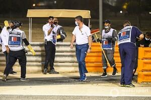 F1レースディレクター、グロージャン事故後の現場の修復作業を説明「全ての責任は私にある」|F1バーレーンGP