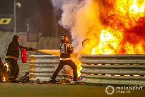 27秒間も炎の中に……FIA、ロマン・グロージャンの事故の調査を完了。安全対策を広範囲に見直し