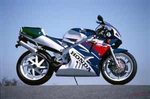 定説「NSR250Rは88が最強」に異議あり! 最終型(94年以降)は市販レーサーに匹敵する仕上がりだった