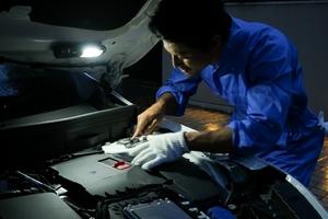 これは便利!自動車やバイクの修理やメンテナンス、車中泊にも使えるDIMEの付録「4WAYポータブルランタン」