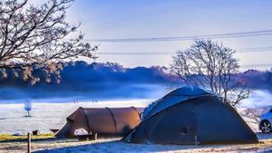 「寒いから冷蔵庫はいらない」は大きな勘違い!「冬キャンプ」で気をつけるべき「9つのポイント」