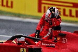 ルクレール「悔しいとしか言いようがない。あの方向から誰かが来るなんて思わなかった」:フェラーリ F1第11戦決勝