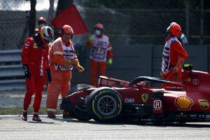 """カルロス・サインツJr.、イタリアGPのFP2で見舞われた""""奇妙な""""クラッシュ「少し自信を失った」"""