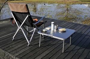 おすすめのアウトドアテーブルメーカー11選|種類や選び方も紹介