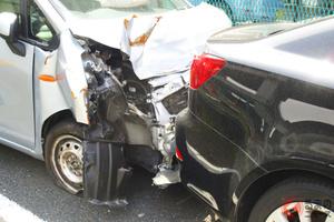 交通事故解決を弁護士依頼する人はわずか4.33%! 交通事故に対するドライバーの意識とは