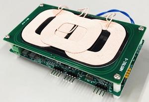大日本印刷、デジタルキーとワイヤレス充電の機能を一体化 認証と同時に充電開始