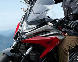 全面進化! ホンダが新型「NC750X」の国内で発売|価格・仕様・カラーをチェック【2021速報】