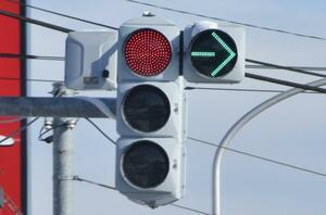 縦型と横型があるのはナゼ? 青・黄・赤の自動車用信号の謎