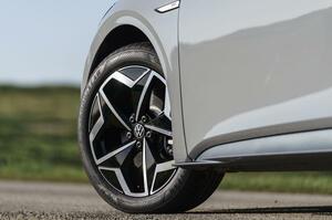 【わずか0.5g/kmの差】VWグループ、欧州CO2規制クリアならず EV販売は大幅増