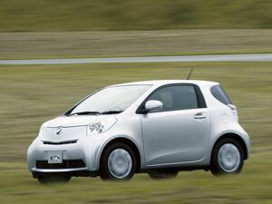 【試乗】トヨタiQはボディサイズや車格の概念を覆す風雲児だった【10年ひと昔の新車】