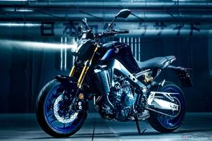 ヤマハ「MT-09 SP」2021年モデル公開 「R1M」譲りのカラーリングと専用装備でスポーティさを向上