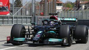ハミルトンが18インチF1タイヤの開発テスト。ブラックのメルセデスW10でイモラを走行