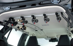 SUVやワゴンで釣りに出かける人におすすめ!最大7本までロッドを積載できるINNOの「ロッドホルダーテンションホールド5」