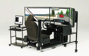 ホンダ、運転教育用ドライビングシミュレーターをマイナーチェンジ 最新ホンダ車の装備採用