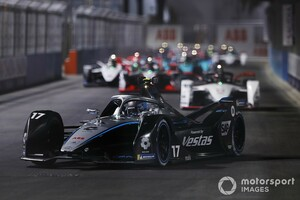 フォーミュラEディルイーヤePrixレース1決勝:ニック・デ・フリーズが完全制覇でFE初優勝。電動でもメルセデス速し!