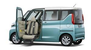 広さが自慢の「eKクロス スペース」「eKスペース」に助手席回転&昇降機能を搭載した福祉車「助手席ムービング仕様車」を設定