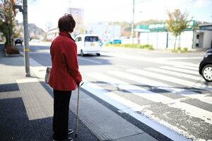 横断歩道で8割のクルマ止まらず 「一時停止率」ワーストは宮城 1位は5年連続ダントツ