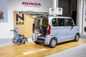 バカ売れ軽自動車のホンダN-BOXは「福祉車両」でも凄かった!