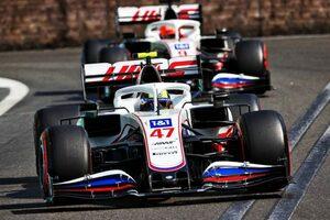 順位を争い接触しかけたマゼピンとシューマッハー。ハース代表は「わだかまりは解けた」と主張/F1第6戦