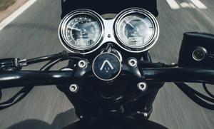 矢印の方向に進むだけで目的地に到着!シンプルで使いやすいトライアンフのバイク専用ナビ「TRIUMPH BEELINE」