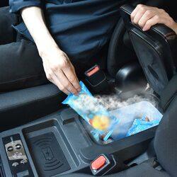 これは便利!前席の間のスペースで冷凍・保冷ができるサンコーの「氷も作れるセンターコンソール冷凍冷蔵庫」