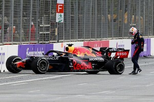 """フェルスタッペン、不運のリタイア「メルセデスに対するリードを広げるべき""""楽""""なレースだったのに」"""