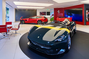 【フェラーリの世界へ】国内ショールーム、最新CIの導入続く コーンズ大阪がリニューアル