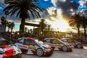 豊田章男氏がコメント「最終戦でヤリ-マティの夢が叶うと信じている。一緒に喜びましょう!」/WRCスペイン