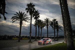 """【WRC】ヌービル、勝利を目前にヒュンダイの""""持病""""で危機一髪。サポートしてくれたマーシャルに感謝"""