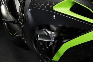 新型「Ninja ZX-10R」対応のスライダーなど新製品がトリックスターから登場!