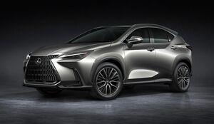 トヨタ、レクサスの新型「NX」公開 7年ぶりフルモデルチェンジ 新開発2.4ターボやPHEV設定 日本では今秋発売