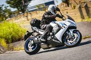 2泊3日対応のツーリングバッグをスズキの大型バイク『GSX-S1000F』に積んでみた!【SUZUKI GSX-S1000F/積載インプレ 後編】