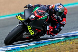 【MotoGP】アンドレア・ドヴィツィオーゾ、プライベートテストでアプリリアRS-GPを初ライド