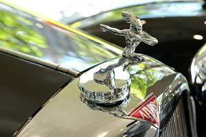 """名車""""アルヴィス""""の、新車の走りを満喫するという至福──戦前車を21世紀に愉しむという、魅惑の自動車趣味世界 Vol.03"""
