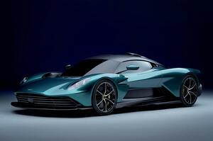 【V8ハイブリッド採用】新型アストン マーティン・ヴァルハラ 市販モデル公開 AMG製パワートレイン